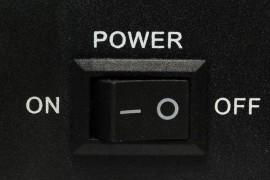 为什么程序员下班后只关显示器从不关电脑?