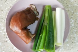 大葱炒猪头肉的做法步骤